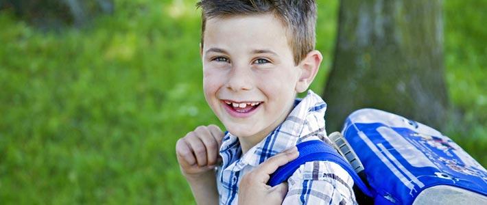 Einschulung-Kind-mit-Schulranzen