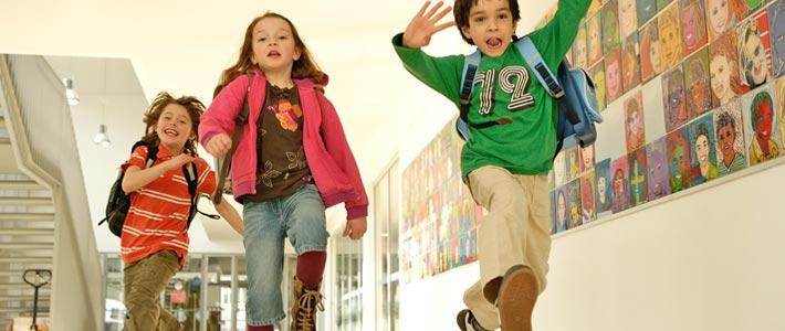 Einschulung-Kinder-freuen-sich-auf-Schulstart