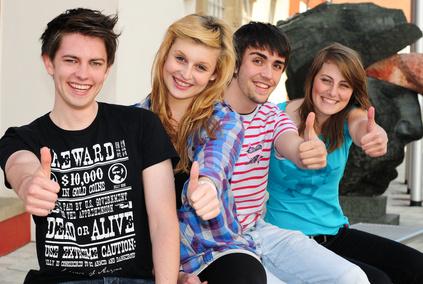 Zentrale Prüfungen - Jugendliche gute Stimmung