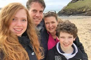 Familie am Strand von England - Vokabeltraining mal anders